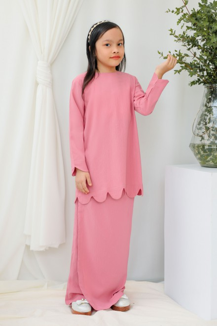 Chantiq Kurung In Pink