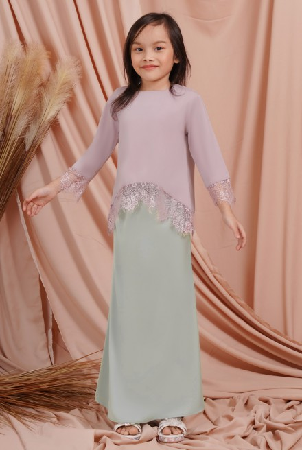 Jintan Kurung Girl in Pink Mint