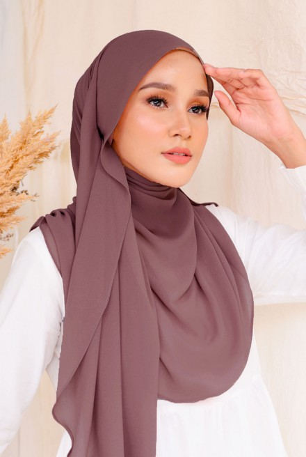 (AS-IS) Bayu Instant Shawl in Raspberry