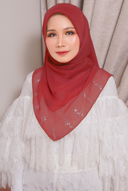 Myla Luxe Bawal in Red
