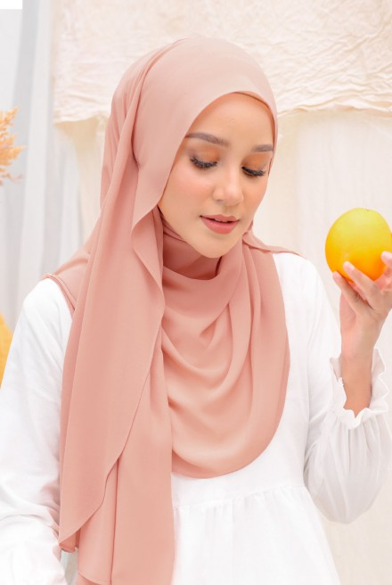 Bayu Instant Shawl in Rose Gold
