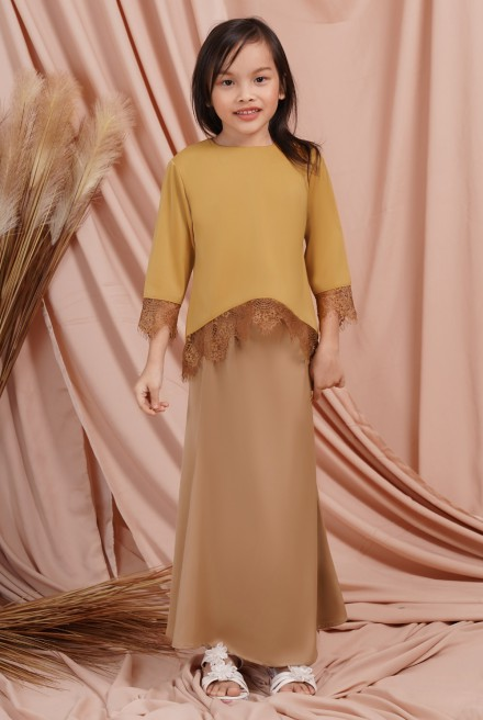 Jintan Kurung Girl in Royal Mustard