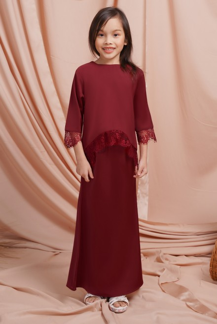 Jintan Kurung Girl in Royal Red