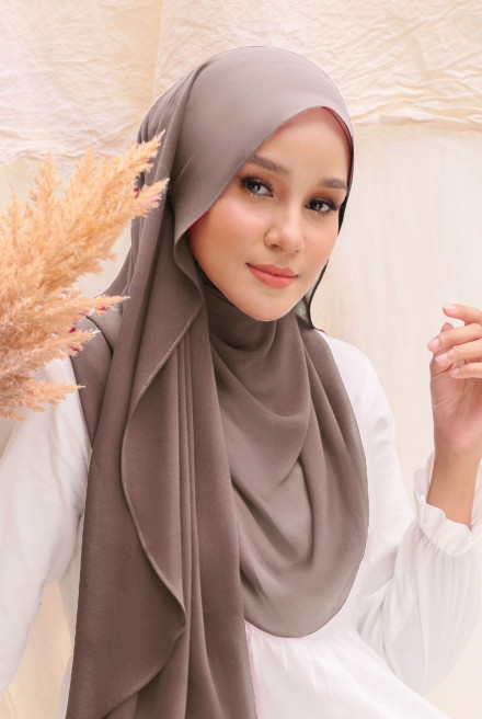 (AS-IS) Bayu Instant Shawl in Sandalwood