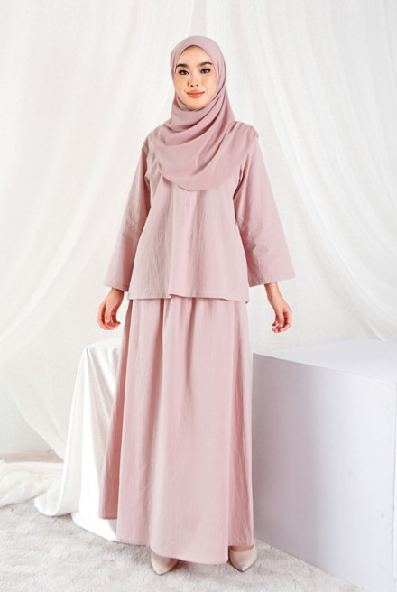 Nomi Set in Soft Pink
