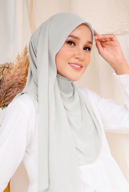 (AS-IS) Bayu Instant Shawl in Soft Grey