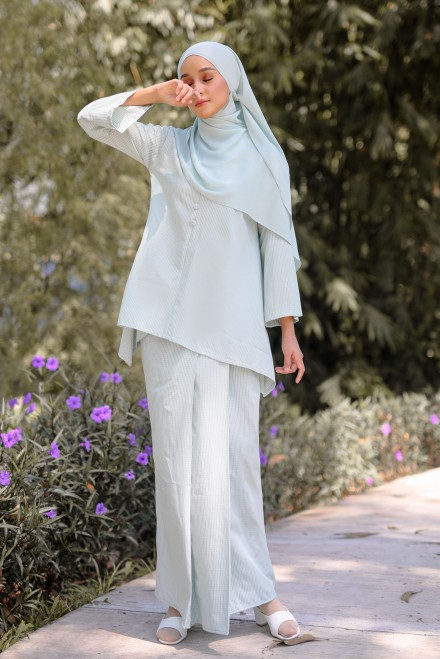 Juita Kurung In Soft Mint