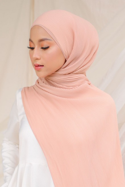 Naeka Full Pleated Shawl in Soft Peach