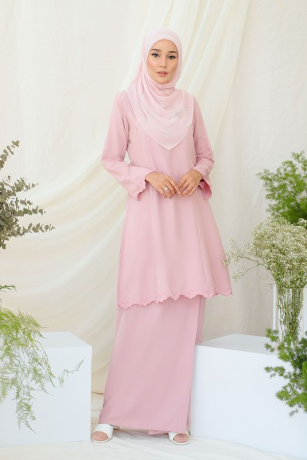 Widuri Kurung In Soft Pink