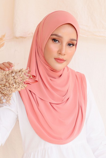 Kaila Instant Shawl in Sweet Coral