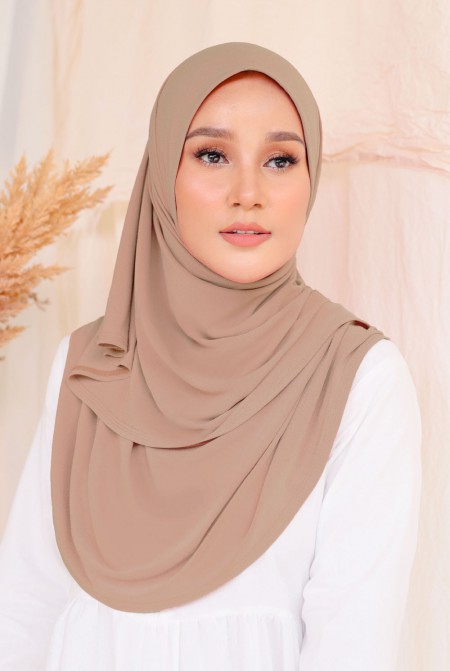 Kaila Instant Shawl in Toffee