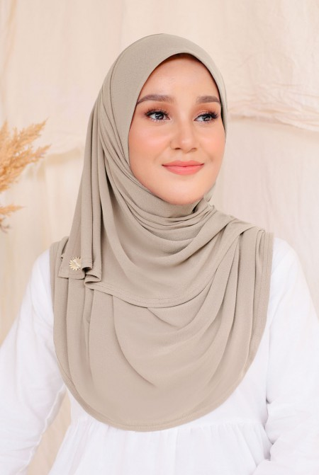 Kaila Instant Shawl in Trout