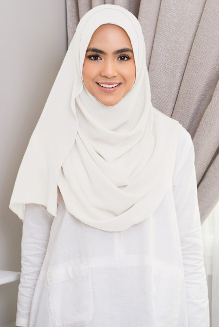 Jenna Long Shawl in Off White
