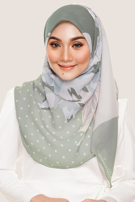 LE Claire Bawal in Willow Green